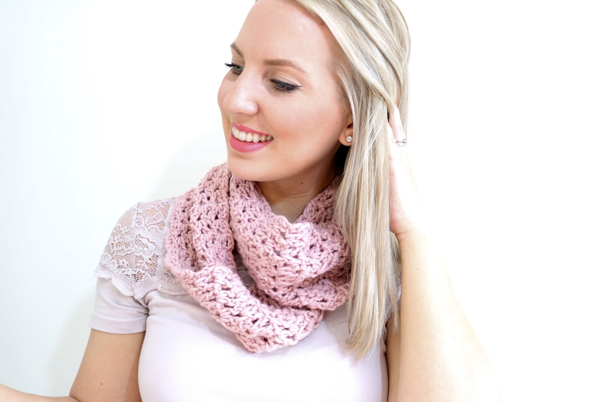 Crochet Stitches Bella Coco : EASY Infinity scarf tutorial Crochet - Bella Coco by Sarah-Jayne