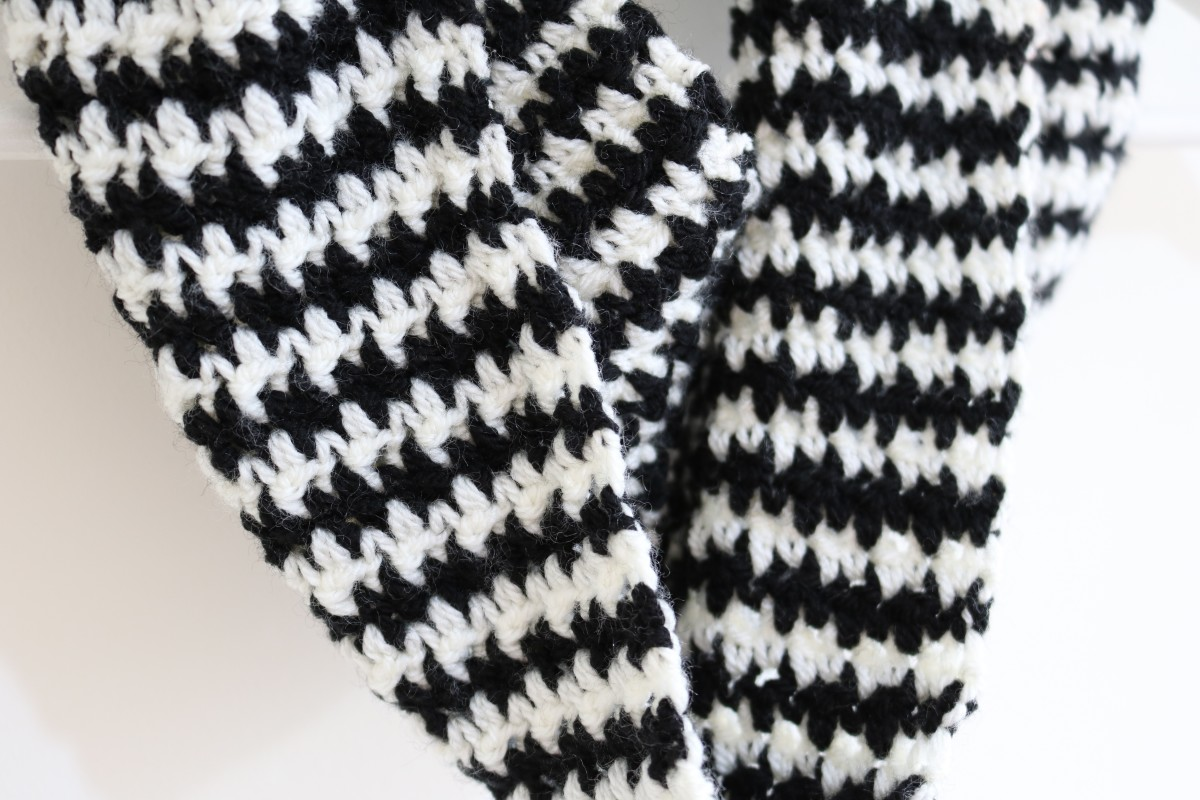 Houndstooth Crochet pattern - Bella Coco by Sarah-Jayne